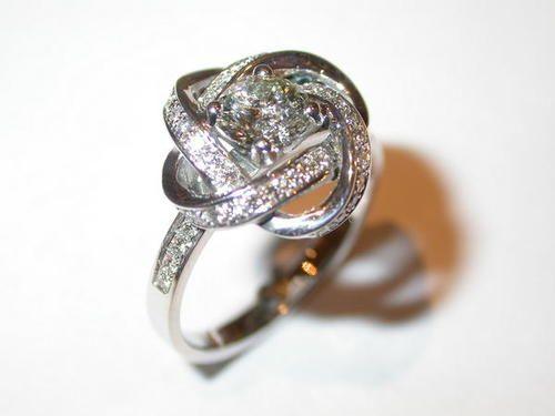 Bague or blanc diamants