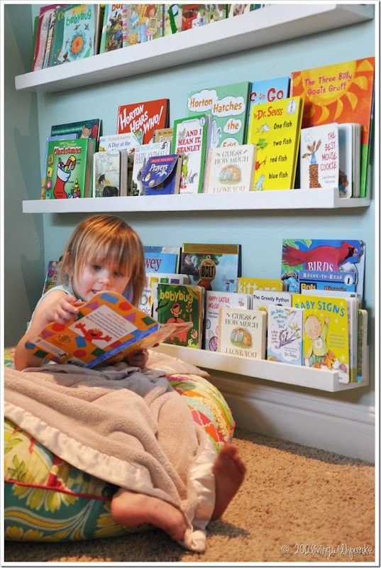 Estante de livros para crianças
