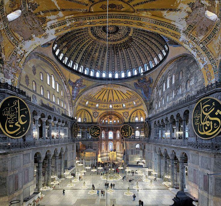 美しい景観がそのまま保存されているスルタン・アメフット寺院。 トルコ旅行のおすすめ見所・観光アイデアまとめ。