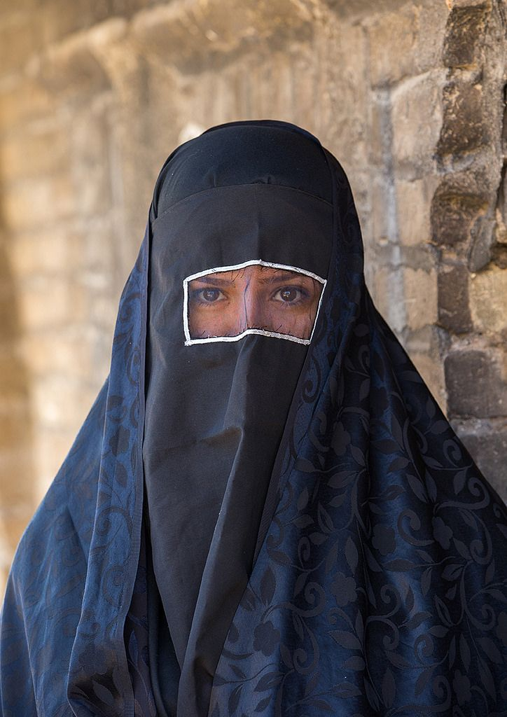 https://flic.kr/p/ASkpy7 | iranian shiite muslim woman mourning imam hussein on the day of tasua with her face covered by a veil, Lorestan Province, Khorramabad, Iran | © Eric Lafforgue www.ericlafforgue.com