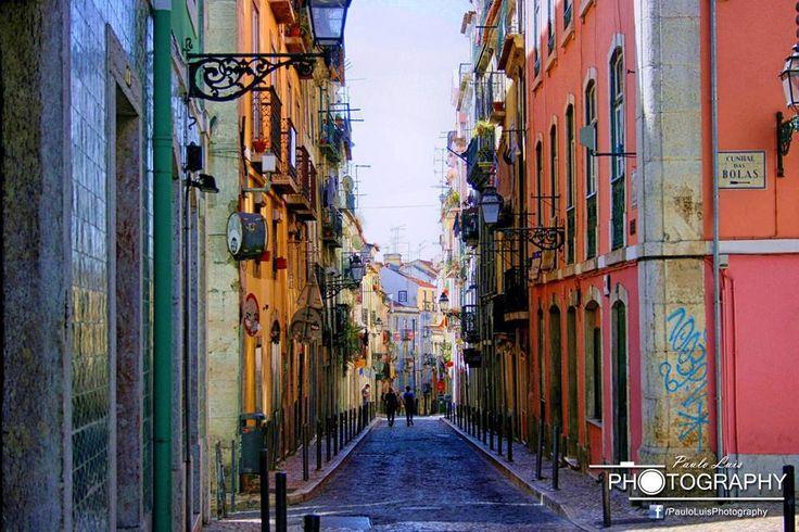 Bairro Alto, um bairro típico de Lisboa que alia a história à tradição.