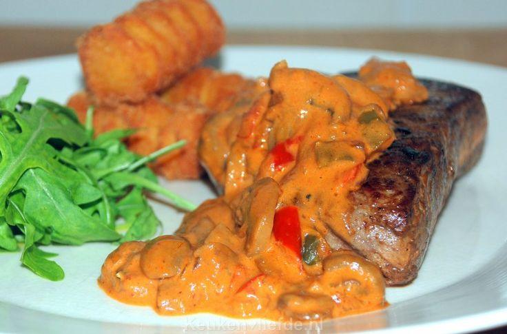 Biefstuk met stroganoffsaus - Keuken♥Liefde