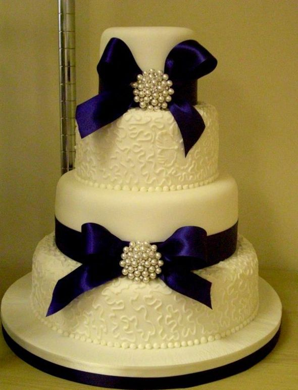 Bridal Style And Wedding Ideas: Royal Blue Wedding Cakes