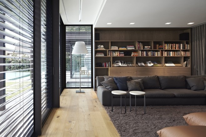 LR / LIBRARY -- Full Metal Jacket: A Melbourne Home With a Modern Shell - WSJ.com