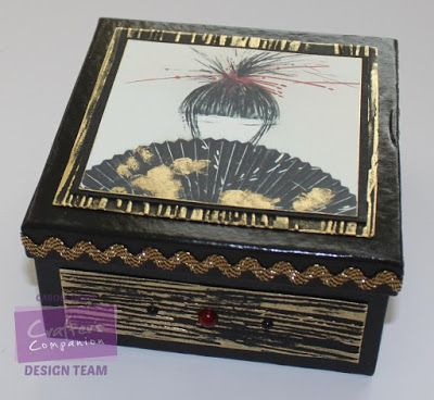 Carole Davis - Crafter's Inspiration 7 using the Kimono section of the free CD Rom and Wood Grain embossing folder - #crafterscompanion