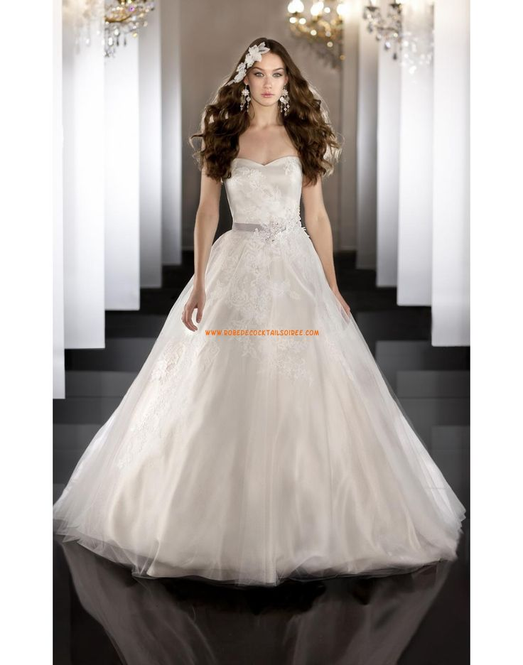 Robe de marie princesse satin tulle application avec ruban