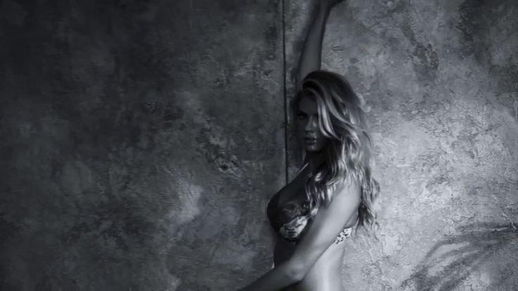 AbanCommercials: GUESS TV Commercial  • GUESS advertsiment  • Joe Jonas + Charlotte McKinney for GUESS Underwear Spring '17 Campaign • GUESS Joe Jonas + Charlotte McKinney for GUESS Underwear Spring '17 Campaign TV commercial • Talk about body moves. DNCE frontman Joe Jonas and model Charlotte McKinney reunite for the GUESS Underwear Spring '17 Campaign photographed by acclaimed fashion photographer Yu Tsai. Feeling the heat?
