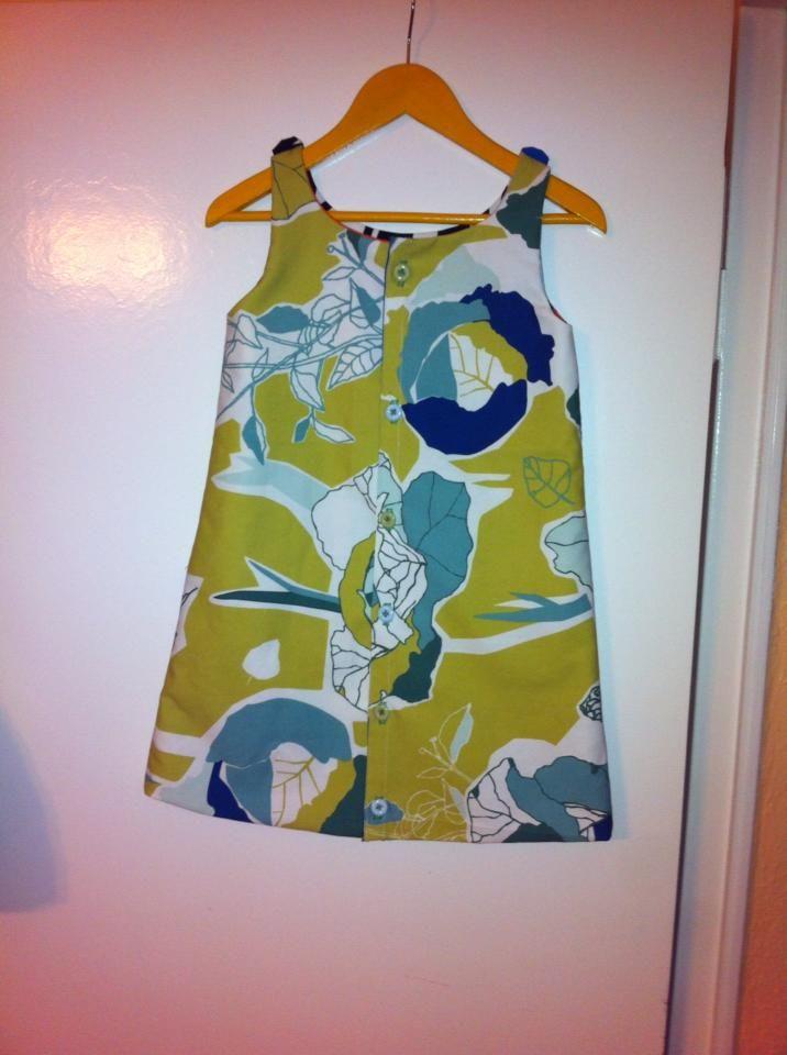 Kinderkleid mit Knopfleiste