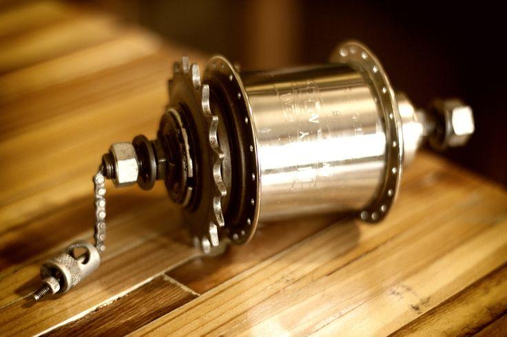 Old Sturmey Archer 3-speed bicycle hub. Internal geared hub. 40 spoke.