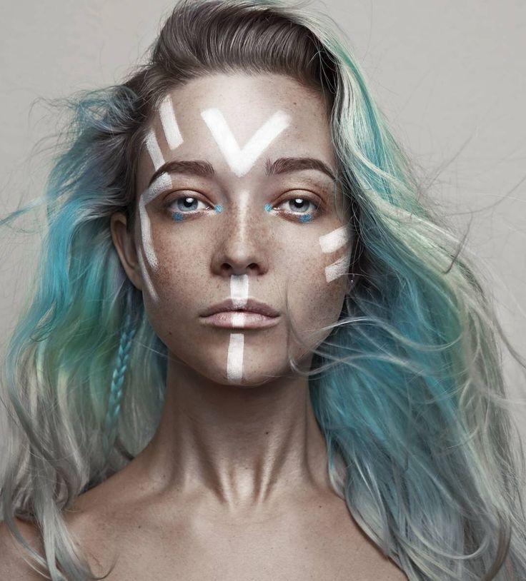 """ATLANTIS ••• ■photography/mua/model @daryna_barykina ■MAKEUP: Tribal print @mehronmakeup AQ-12 palette white. Shadows @makeupaddictioncosmetics  Peacock…"""