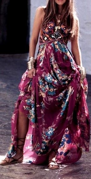Gorgeous pattern with a romantic flowing shape makes a lovely dress!