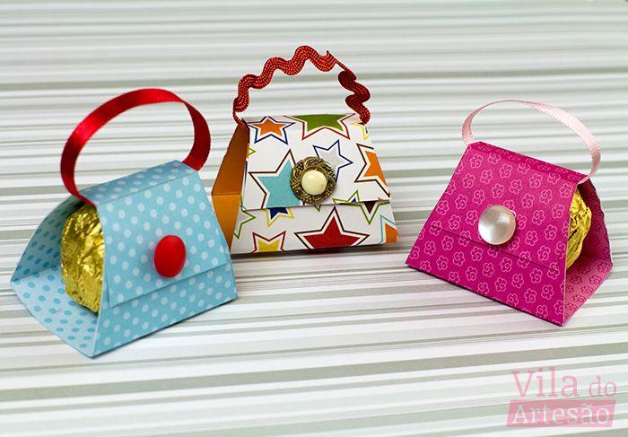 Aprenda como fazer um porta bombom mini bolsa e presenteie mulheres que merecem seu carinho e atenção.