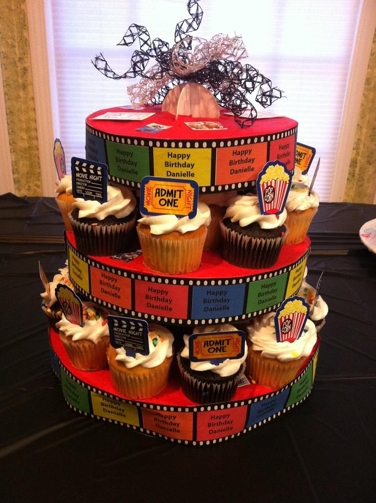 Une tour à cupcakes sur le theme cinema! <3