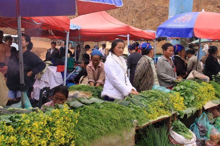 Laos Centrale, verso Ventiane: il mercato di Phou Khoun