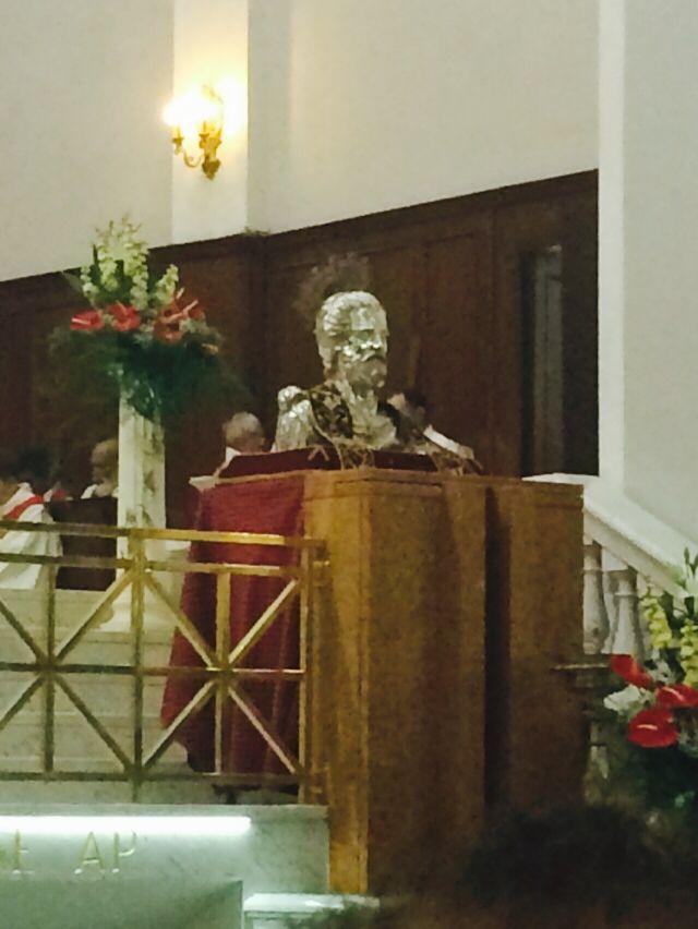 #indiretta dal Corteo delle Chiavi di #Ortona il busto di San Tommaso Apostolo.