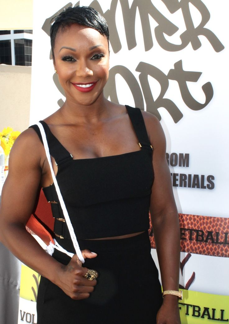 Carmelita Jeter with a Zumer basketball drawstring bag