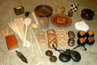 """Materials de fusta per a la """"Panera dels tresors""""."""