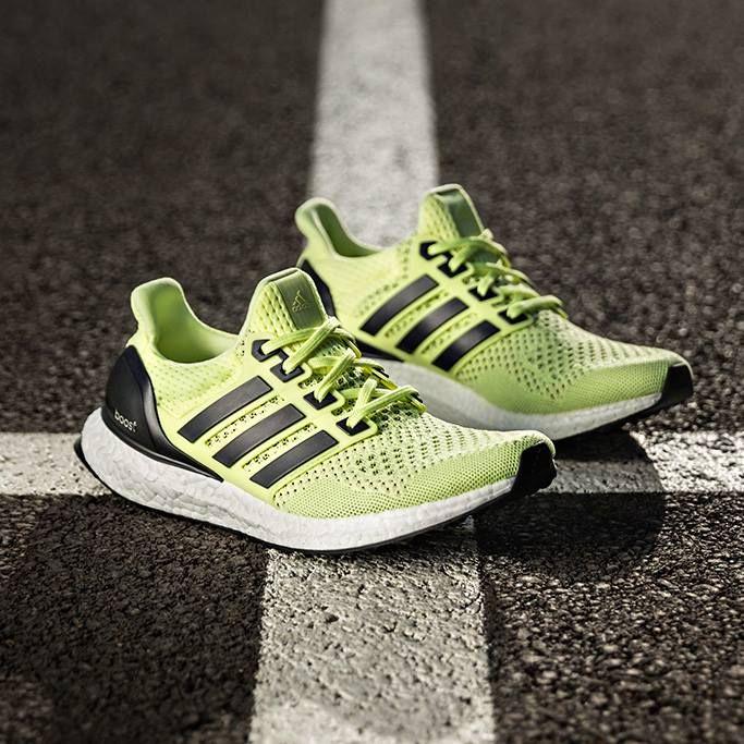 La mejor zapatilla de todos los tiempos ahora en Solar Yellow. #ultraboost