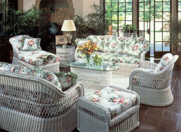 Henry link white wicker furniture decor ideas for White wicker patio furniture