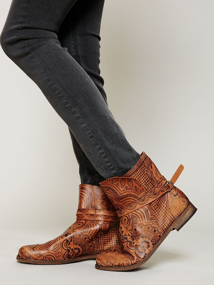 Mehndi Ankle Boots : Best frye images on pinterest engineer boots
