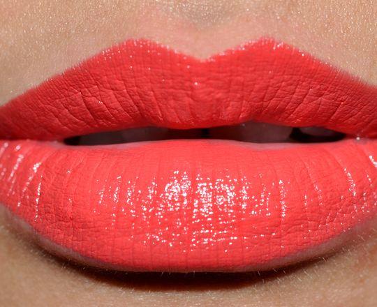 how to keep lipstick last longer on lips