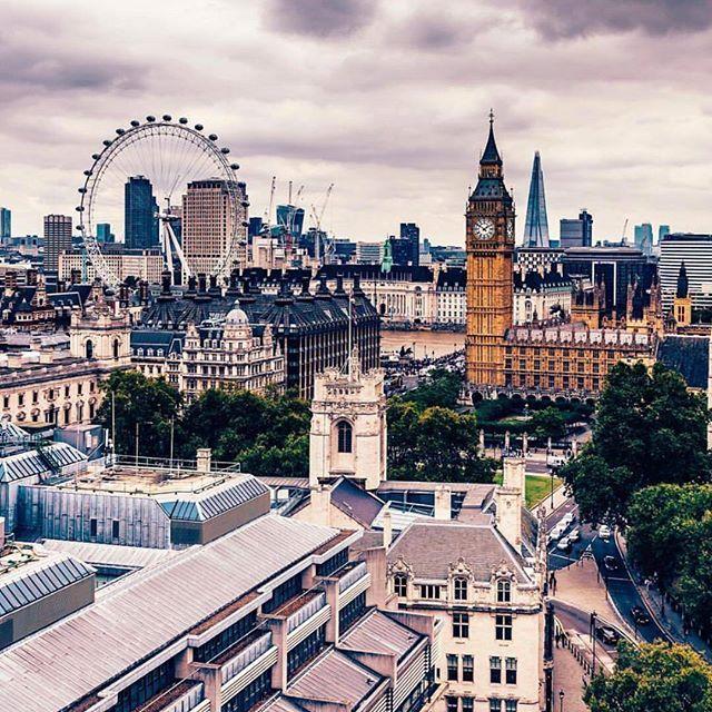 London, United Kingdom. : @meletispix