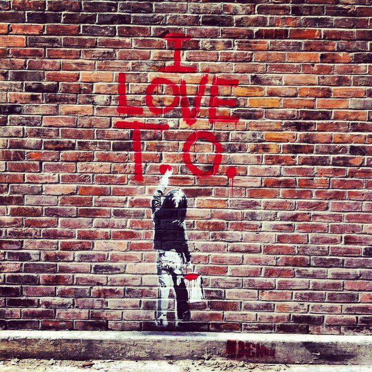 Toronto street art. Graffiti in Toronto.