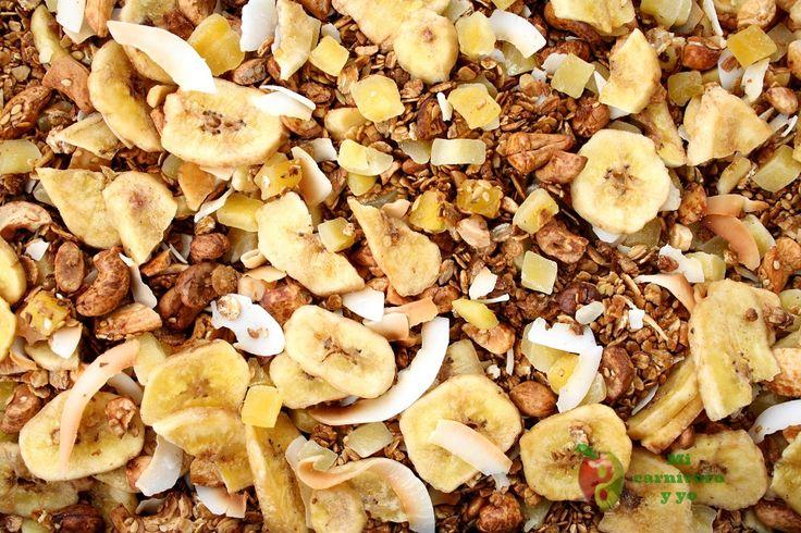Descubre cómo hacer granola en casa con esta deliciosa receta de Granola Tropical.