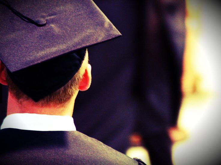 Programas lançados pelo Governo Federal e Ministério da Educação permitem que nota do ENEM seja utilizada para concorrer a bolsas de estudo; as inscrições online do ProUni 2013 ficarão disponíveis até às 23h59 do dia 27 de junho.