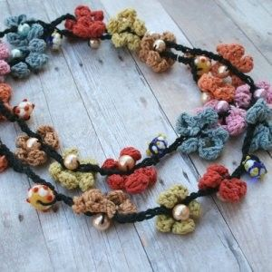 Pearls and crochet flowers quick and easy to make