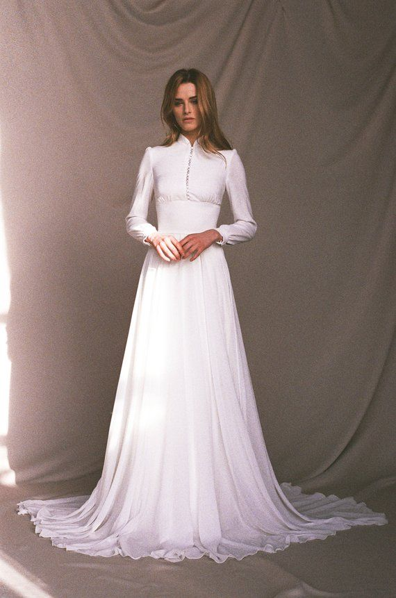 Lengthy sleeve marriage ceremony gown – Chiffon marriage ceremony gown button-up – Lengthy prepare bridal robe – Minimalist mild ivory marriage ceremony gown – APOLLO