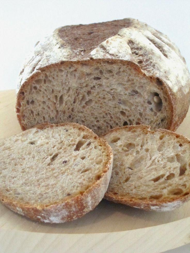 pane integrale di segale con pasta madre. ricetta facile e buonissima