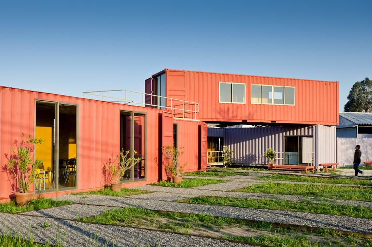 Built by DX Arquitectos in Santiago, Chile with date 2010. Images by Pablo Blanco Barros. The container as a means of transfer of a product, now as a container for a user. Prefabricated structure elementary ...