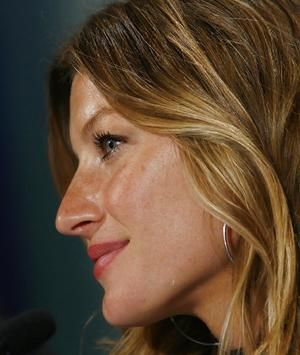 Gisele has a typical dinarid/armenoid big and long nose.