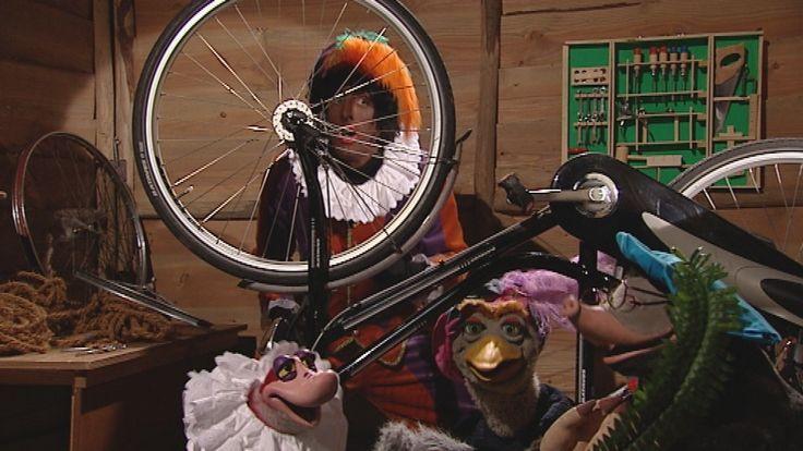 Liedje uit Koekeloere: Zwarte Piet ging uit fietsen.