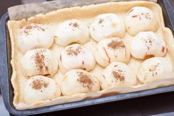 Яблочный пирог в хрустящем творожном тесте