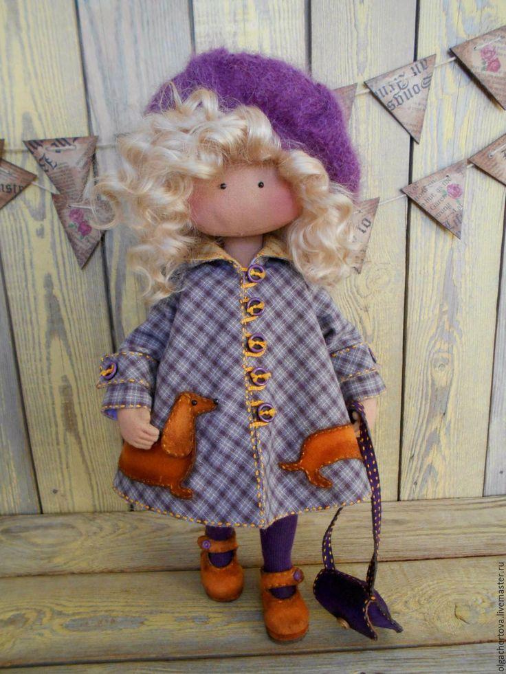 Купить Малышка в пальтишке ( с таксой) - фиолетовый, кукла в пальто, кукла ручной работы, кукла