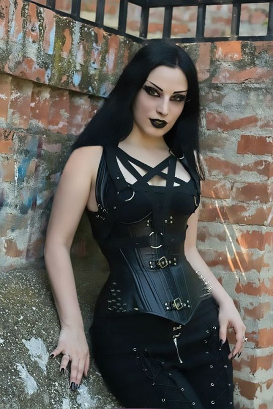 Model, MUA: Kali Noir Diamond Photography: John Wolfrik Harness: Black Pearl