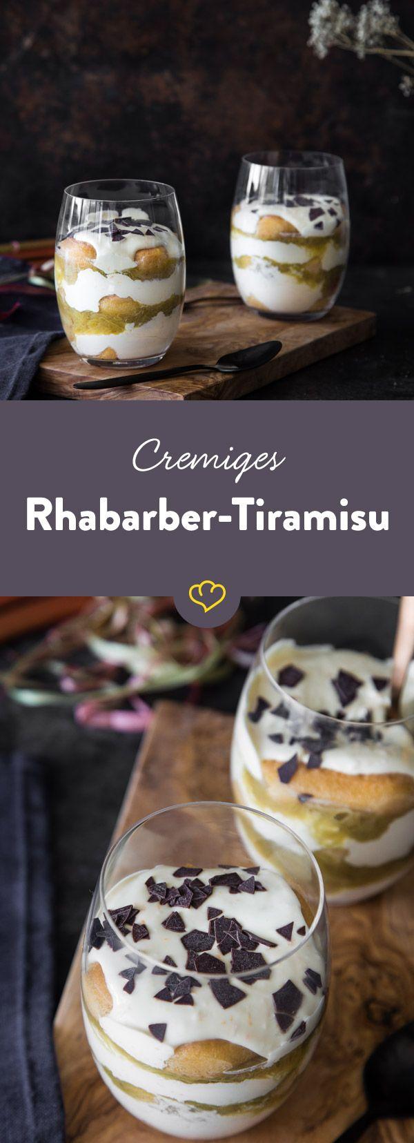 12 Löffelbiskuit, 6 Rhabarberstangen und viele Löffel Mascarpone-Orangen-Creme später setzt die wohlige Zufriedenheit nach diesem fruchtigem Tiramisu ein.