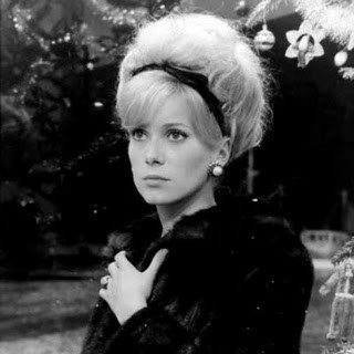 HairstyleDe Cherbourg, Hair Ribbons, Catherine Deneuve, Hairstyles Inspiration, Beautiful, Parapluie De, 60S Hair, Catherine Zeta-Jon, Les Parapluie