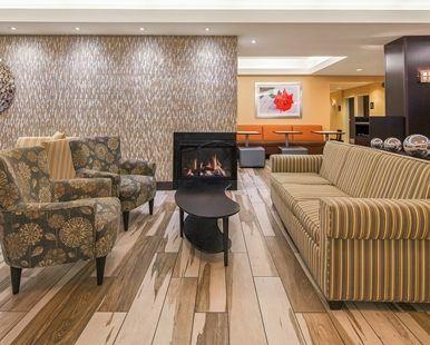 Hampton Inn & Suites Seattle-North/Lynnwood Hotel, WA - Lobby Soft Seating