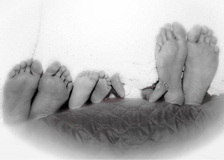 Petits pieds aux milieu de la famille