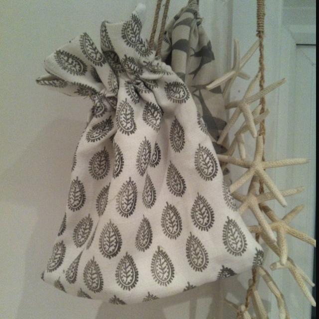 Hannah Watchorn Bathroom Textiles