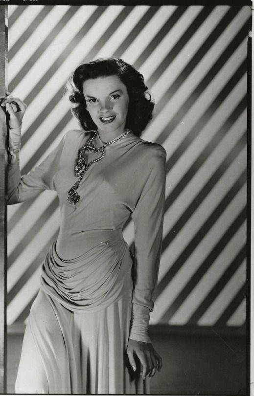 Judy Garland in costume for Ziegfeld Follies (1945)