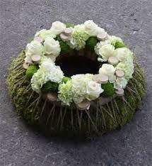 Afbeeldingsresultaat voor witte bloemstukken
