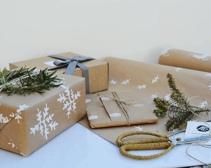 """""""Mi piace"""": 81, commenti: 1 - Anna Bello (@anna.bello) su Instagram: """"Pronti per essere messi sotto l'albero! 🌲 I miei regali sono tutti incartati con la carta decorata…"""""""