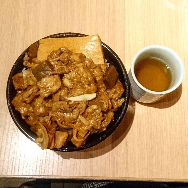 #東京#秋葉原#ディナー#夜飯#オススメ#おか村屋#オススメ#美味しい#ボリューム#男飯#煮込み#大根#豆腐#スジ#肉#Taneyan