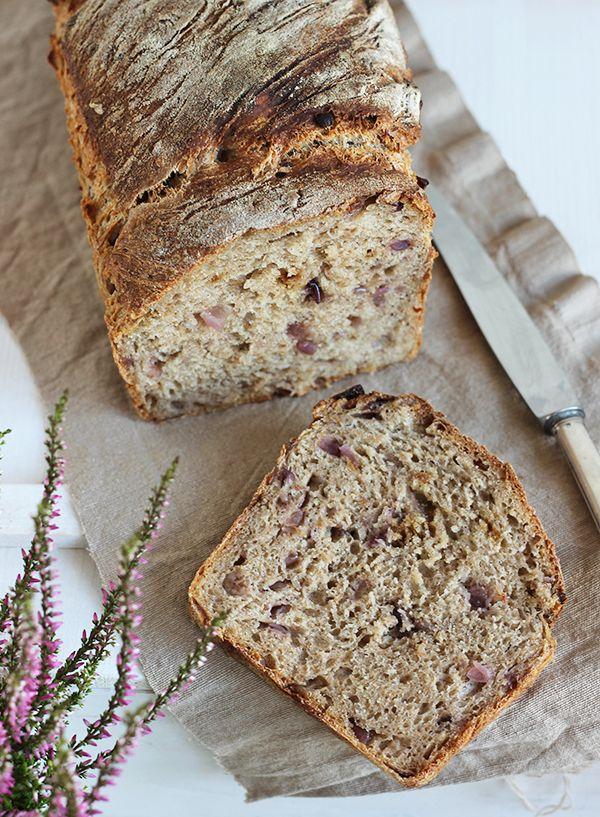 chleb z prażoną cebulką na zakwasie