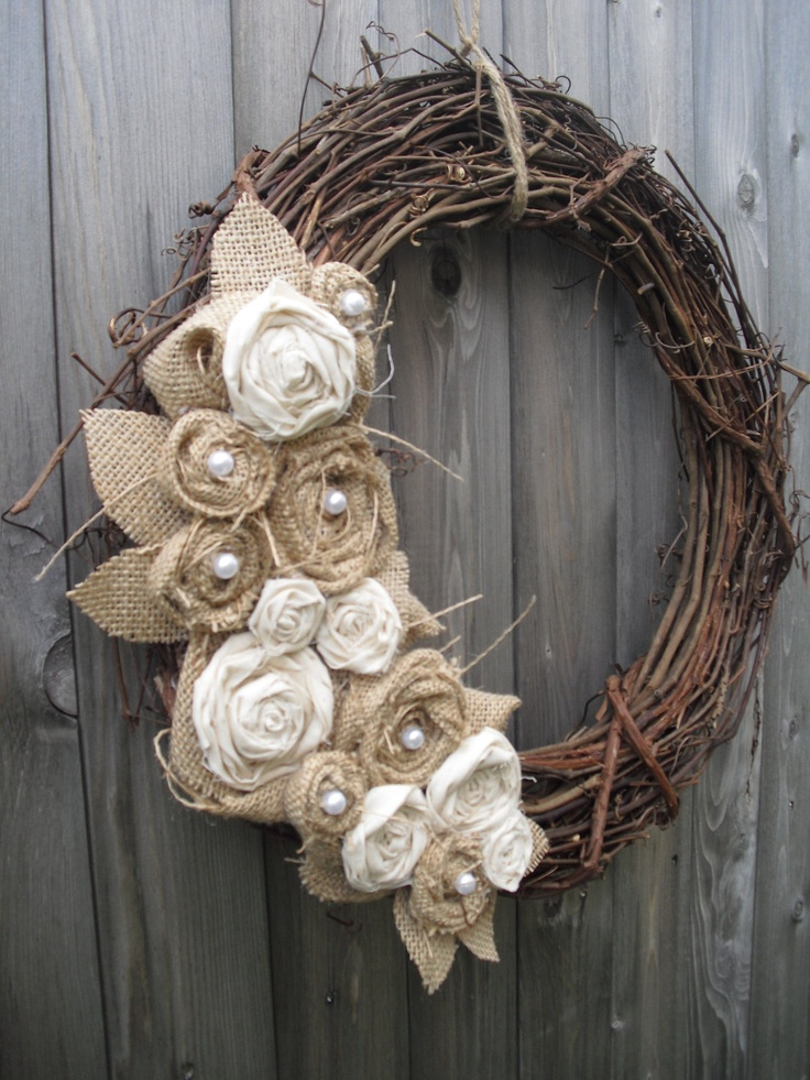 Burlap Wreath with Muslin & Pearls: easy thing to make with fabric scraps