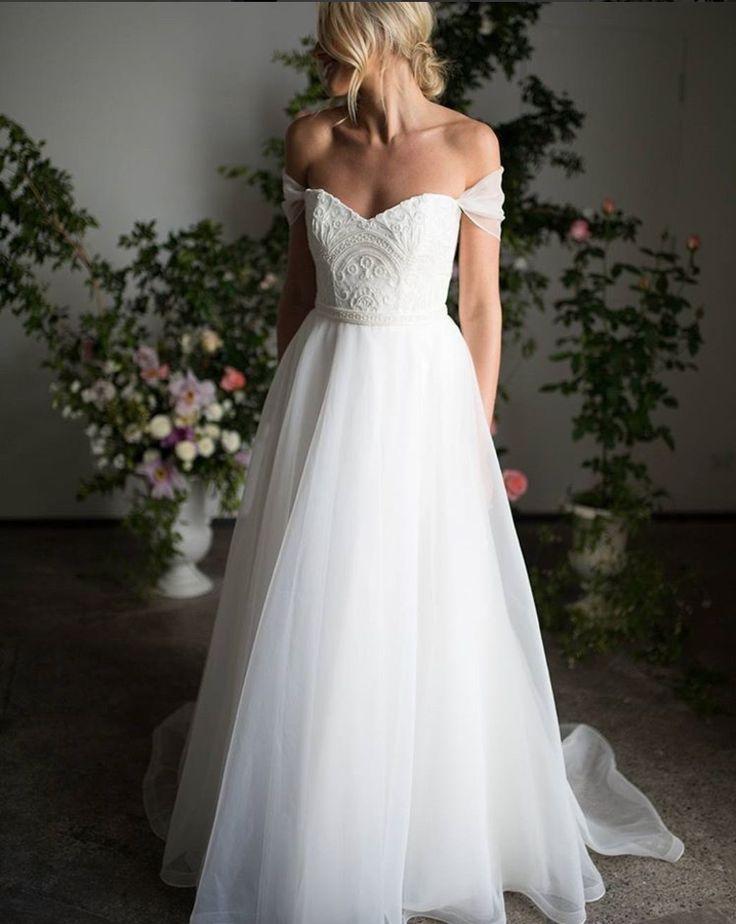 Karen Willis Holmes | Wedding Gown | Fine Art Curation | Wedding Sparrow